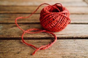 Read more about the article Quelles sont les diverses activités à essayer avec de la laine ?