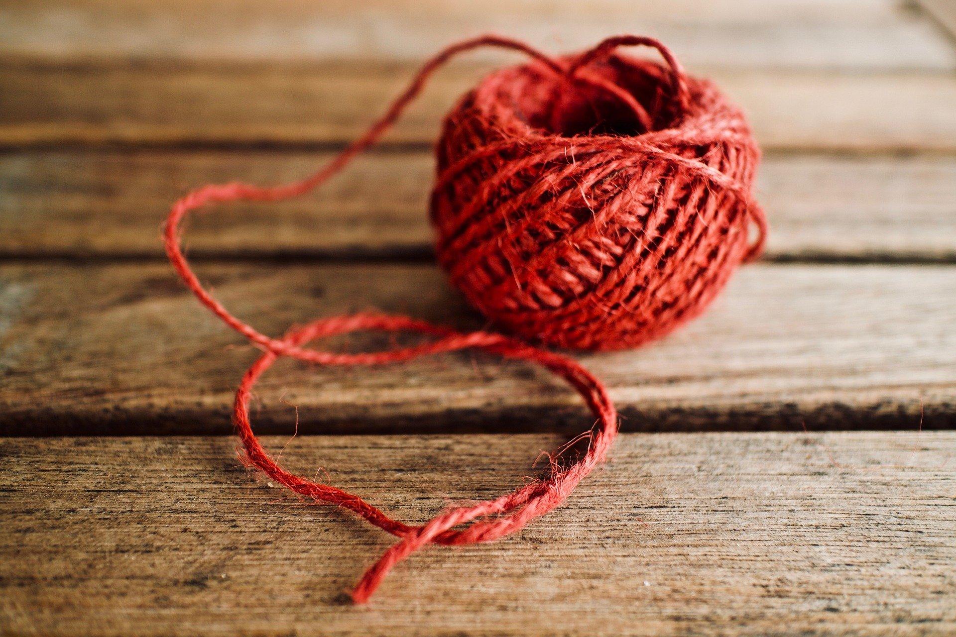 You are currently viewing Quelles sont les diverses activités à essayer avec de la laine ?